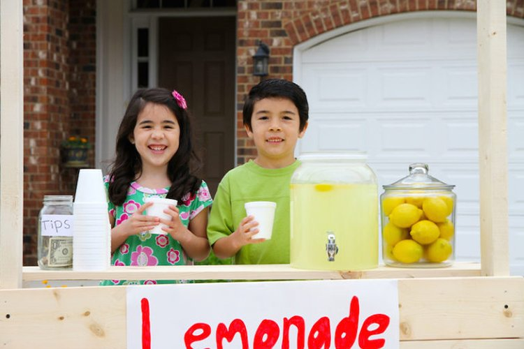 kids investing lemonade