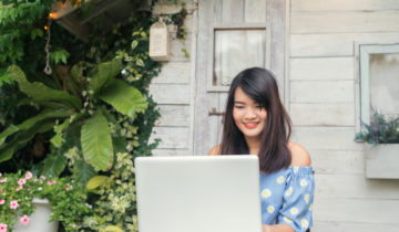 Seriously Thinking About Working from Home? 6 Proven Tips on How You Can Make the Transition